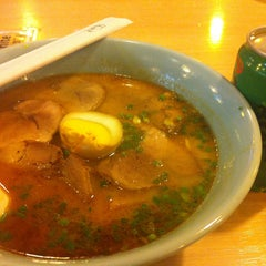 Photo taken at K-ca Ramen (เคกะ ราเมน) by Kung_ P. on 5/4/2013