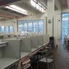Photo taken at 이화여자대학교 ECC 열람실 (Ewha Womans University ECC Center Library) by Yewon A. on 10/26/2013
