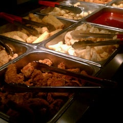 Photo taken at Teppanyaki Grill & Supreme Buffet - Minneapolis by Mike R. on 2/11/2013
