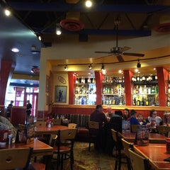 Photo taken at Red Robin Gourmet Burgers by PF A. on 4/23/2015