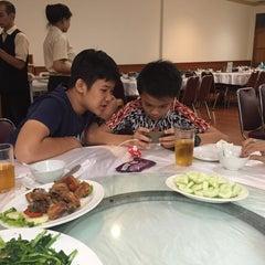 Photo taken at Restoran Cahaya Baru by Linda S. on 1/9/2016