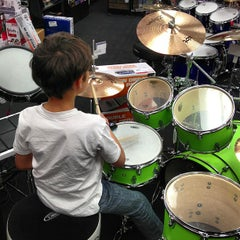 Photo taken at Guitar Center by Pedro A. on 5/26/2013