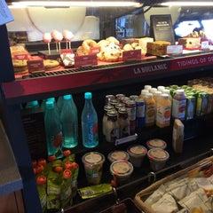 Photo taken at Starbucks by Lin W. on 1/2/2015