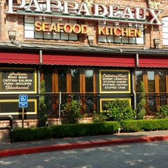 Photo taken at Pappadeaux Seafood Kitchen by Thomas C. on 6/22/2013