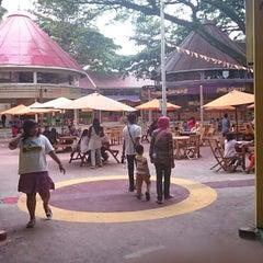 Photo taken at Taman Rekreasi Sengkaling by Eka N. on 12/25/2014