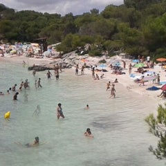 Photo taken at Cala Turqueta by Alfonso M. on 7/27/2015