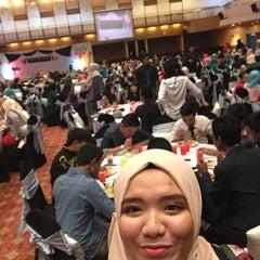 Photo taken at Dewan Jubli Perak SUK Selangor by Asiah A. on 4/15/2015