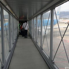 Photo taken at Gate A10 by BJ Y. S. on 11/3/2012