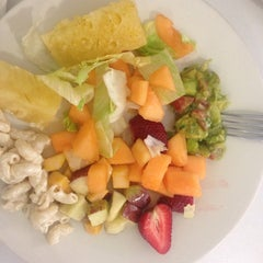 Photo taken at Super Vegetariano Buffet by Andrea S. on 6/1/2014