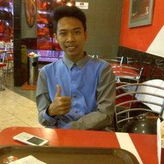 Photo taken at KFC by Vina M. on 8/8/2014