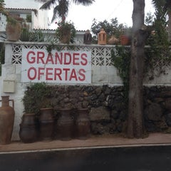 Photo taken at Mercadillo del Agricultor de La Matanza by Bokeh Travel W. on 4/20/2014
