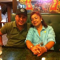 Photo taken at ตงเพ้ง (Tong Peng Chinese Restaurant) by Phuket S. on 8/12/2015