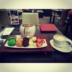 Photo taken at Maya Le Chocolaterie by yasir a. on 11/29/2013