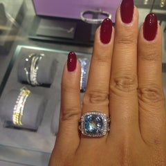 Photo taken at David Yurman - The Townhouse by Rosario Joy G. on 10/31/2014