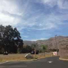 Photo taken at Comfort Inn & Suites Sequoia Kings Canyon by Ashwin M. on 10/4/2014