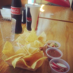 Photo taken at Taqueria de Amigos by Kariz M. on 9/6/2014