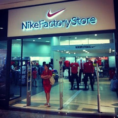 Photo taken at Nike Factory Store by Luciana M. on 8/10/2013