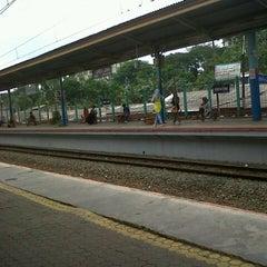 Photo taken at Stasiun Pondok Cina by Andini L. on 1/21/2013