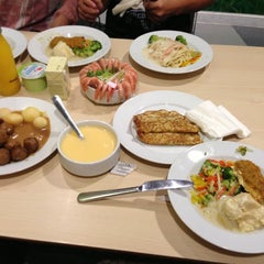 Photo taken at IKEA 宜家家居 by Carria A. on 10/27/2012