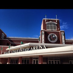 Photo taken at Ralph Engelstad Arena by Gabriel on 9/21/2012