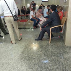 Photo taken at THY Satış Ofisi by Omer E. on 9/14/2015