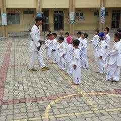 Photo taken at Sekolah Kebangsaan Seri Pristana by Roslan L. on 1/24/2015
