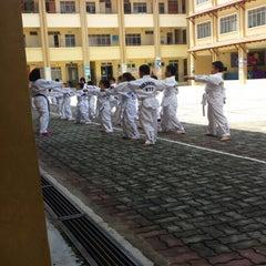 Photo taken at Sekolah Kebangsaan Seri Pristana by Roslan L. on 1/31/2015