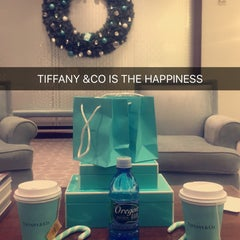Photo taken at Tiffany & Co. by 6ioob A. on 12/20/2015