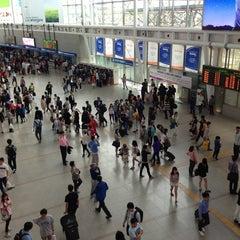 Photo taken at 서울역 (Seoul Station - KTX/Korail) by Johnny K. on 5/17/2013