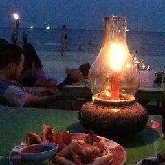 Photo taken at หาดทรายแก้ว (Sai Kaew Beach) by Puttawalai C. on 4/7/2013