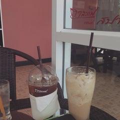 Photo taken at Kalafe' & Spa by มาดามกาตี้ on 6/16/2014