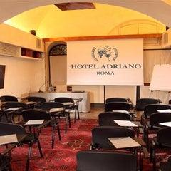 Foto scattata a Hotel Adriano da DayBreakHotels il 12/30/2013