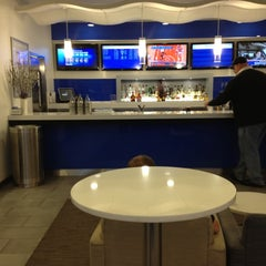 Photo taken at Delta Sky Club by Matt O. on 11/20/2012