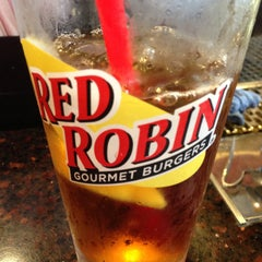 Photo taken at Red Robin Gourmet Burgers by Jill S. on 5/11/2013