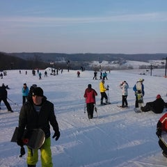 Photo taken at Paoli Peaks - Ski, Ride, Tube by Dan K. on 2/16/2014