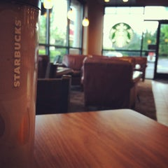 Photo taken at Starbucks by Racheal Z. on 5/31/2013