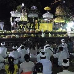 Photo taken at Pura Luhur Candi Narmada Tanah Kilap by ChyttRa Geex P. on 7/11/2014