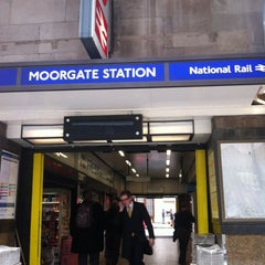 Photo taken at Moorgate Railway Station (MOG) by Gabriel A. on 4/10/2013