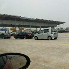 Photo taken at Plaza Tol Putrajaya by مروا on 3/3/2014