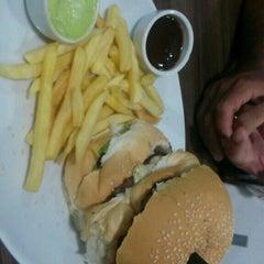 Photo taken at Prime Burger by Gustavo C. on 1/24/2016