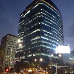 Photo taken at CJ제일제당센터 (CJ Cheiljedang Center) by Goddess S. on 10/14/2012