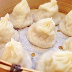Photo taken at Dumplings' Legend by Luica M. on 11/9/2013