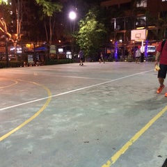Photo taken at Basketball Court Prima Avenue (PADI) by Ke Q. on 7/10/2015