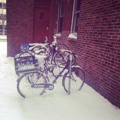 Photo taken at Citizens Bank (Kendall Square) by Kit K. on 1/22/2014
