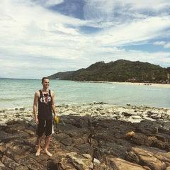 Photo taken at Phi Phi Natural Resort by Albino P. on 4/15/2015