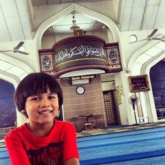 Photo taken at Masjid Nurul Iman Serendah by Mohd Shahrin Y. on 5/1/2013