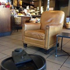 Photo taken at Starbucks by Rita H. on 9/19/2014