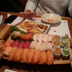 Photo taken at Sakura Sushi Japanese Restaurant by Chris S. on 2/27/2014