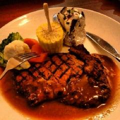 Photo taken at Wadihana Islamic Steakhouse by MizShuai C. on 12/2/2012
