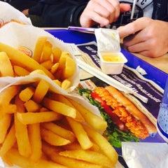 Photo taken at Burger King by Lerchik D. on 10/9/2014